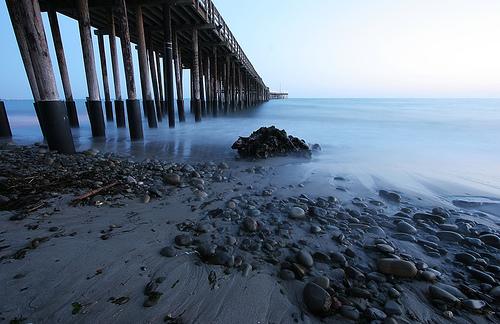 Ventura Pier image by mewtate [cc, 2.0]