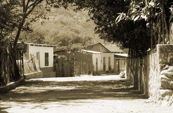 The Tiny Town of Cerro Colorado