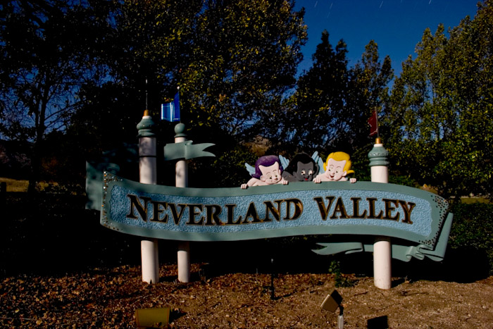 neverland-road-sign