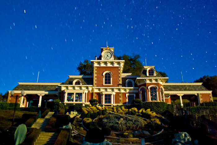 neverland-train-station