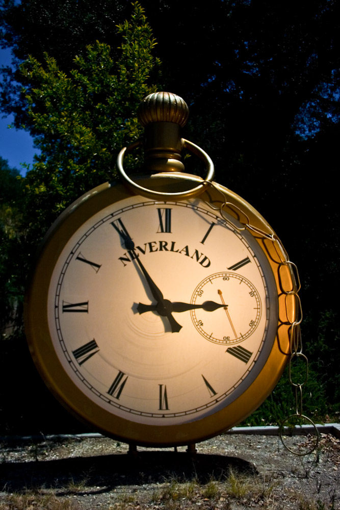 the-neverland-ranch-clock